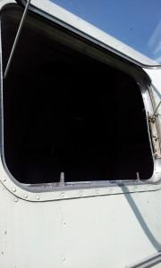 Service window
